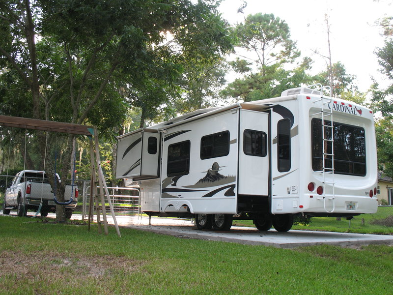 2009 Forest River Cardinal 30TS