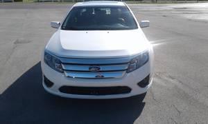2012 Ford Fusion 4-Door Hybrid Sedan