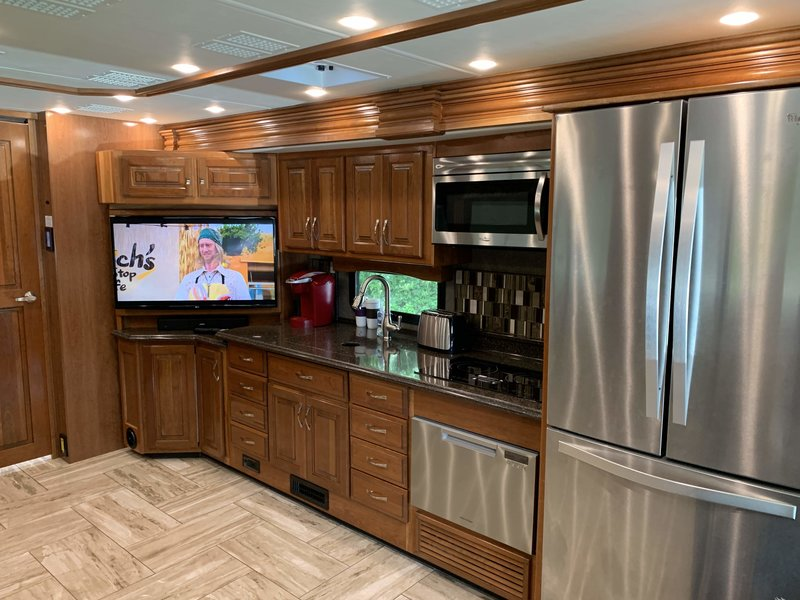 2017 Fleetwood Discovery 39G