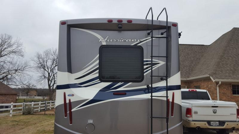 2015 Thor Motor Coach Hurricane 27H