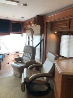 2004 National RV Tropical 370T