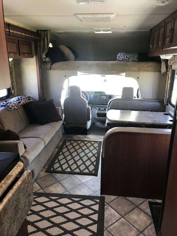 2013 Thor Motor Coach Four Winds 31A Bunkhouse