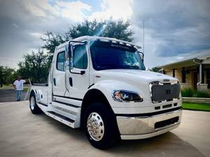 2019 Freightliner SportChassis M2 106