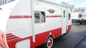 2020 Riverside RV Retro 179 White Red