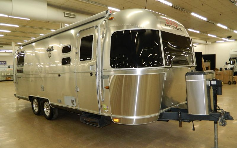 2012 Airstream Flying Cloud M25RB
