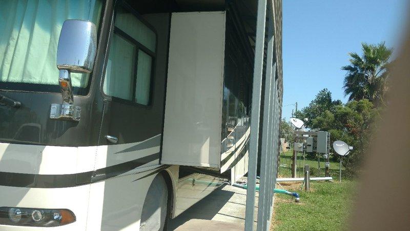 2009 Western RV Alpine Coach Limited SE Series