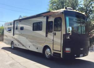 2005 Fleetwood Discovery 39J