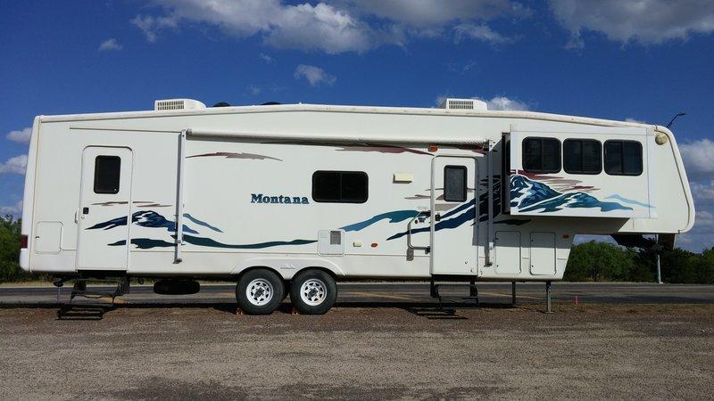 2004 Keystone Montana 3685FL