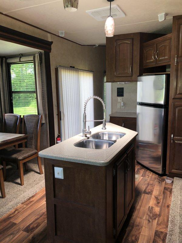 2015 Forest River Salem Villa Estate BFL4092