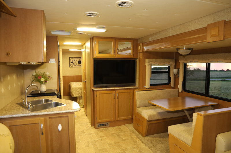 2011 Newmar Bay Star 3302
