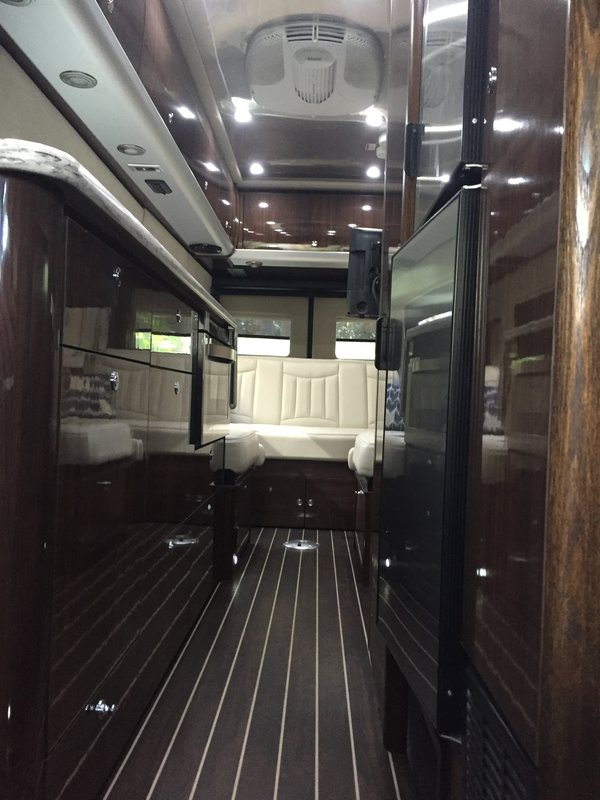 2017 Airstream Interstate Grand Tour EXT 4WD