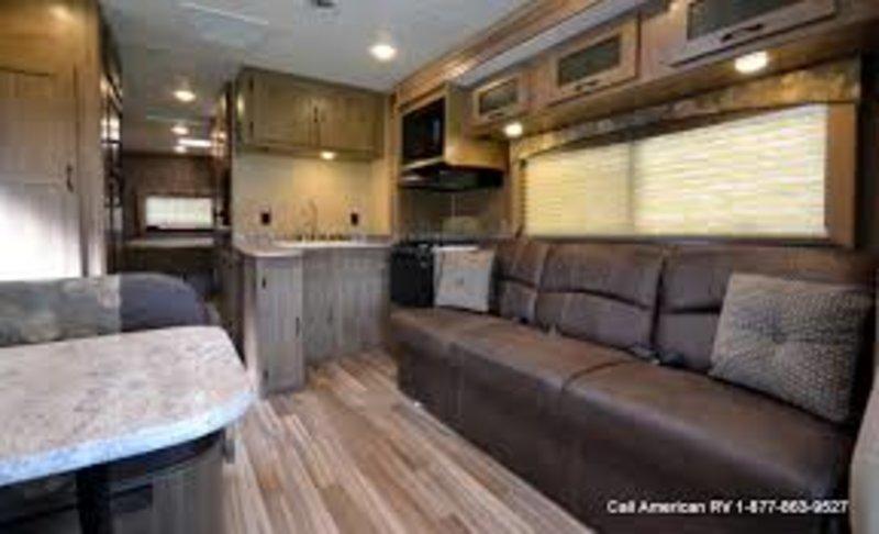 2017 Coachmen Freelander 31BH Ford 450