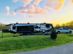 2018 Heartland Road Warrior 4275RW