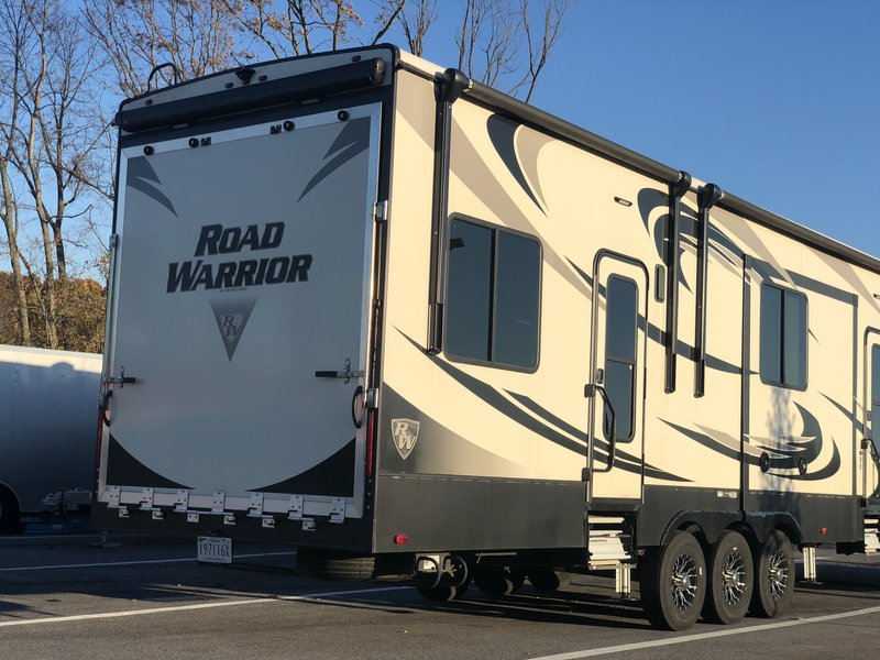 2017 Heartland Road Warrior 429RW