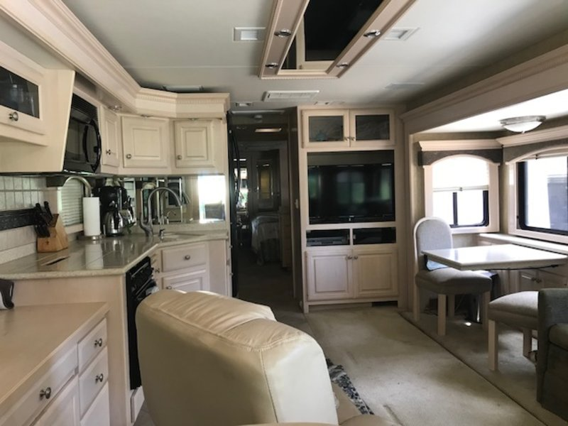 2005 Travel Supreme Select 42DS04