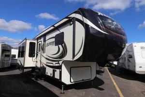 2015 Keystone Alpine 3010RE