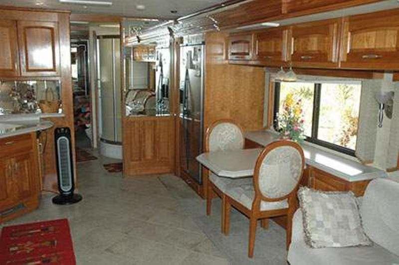 2008 Monaco Camelot 40PDQ