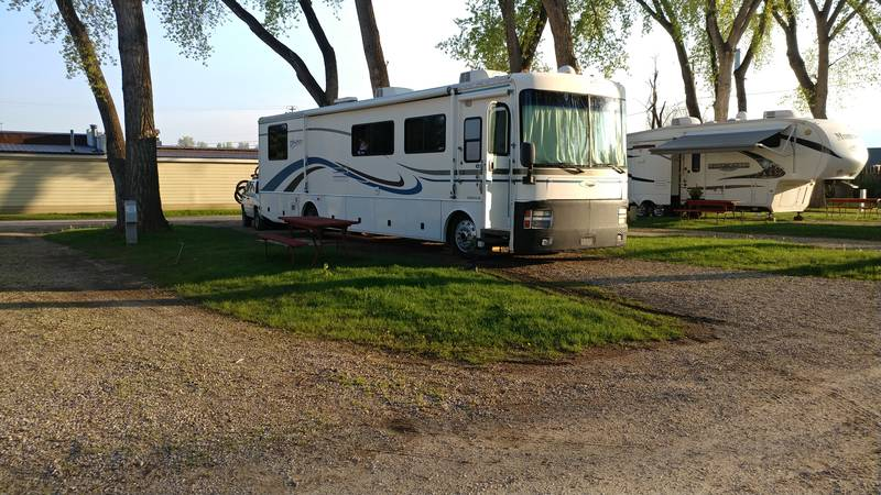 2000 Fleetwood Discovery 37G