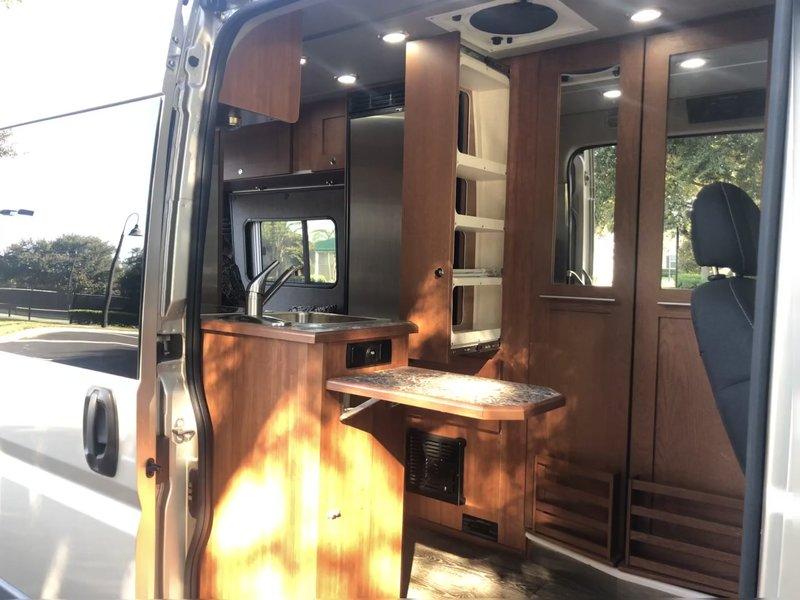 2018 Roadtrek Simplicity SRT