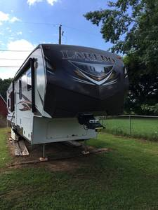 2014 Keystone Laredo 329 RE
