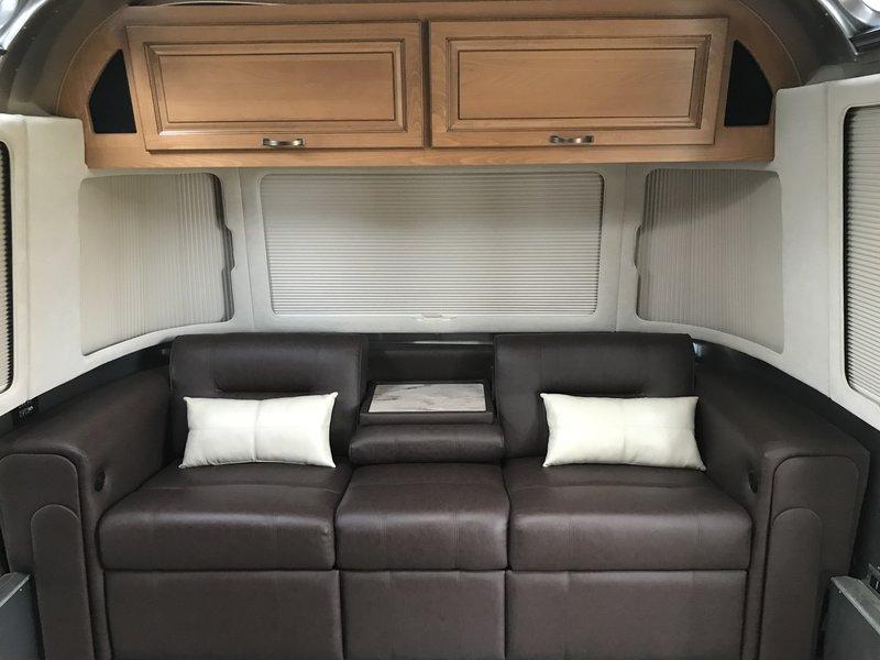 2018 Airstream Classic 30RB Queen