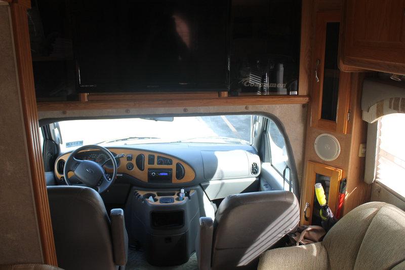 2005 Coachmen Concord 275DS