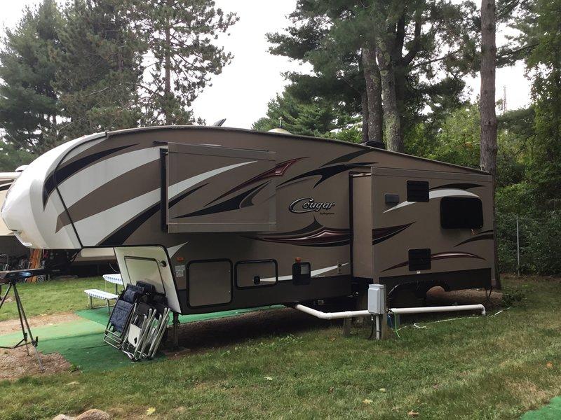 2015 Keystone Cougar Half-Ton 28SGS