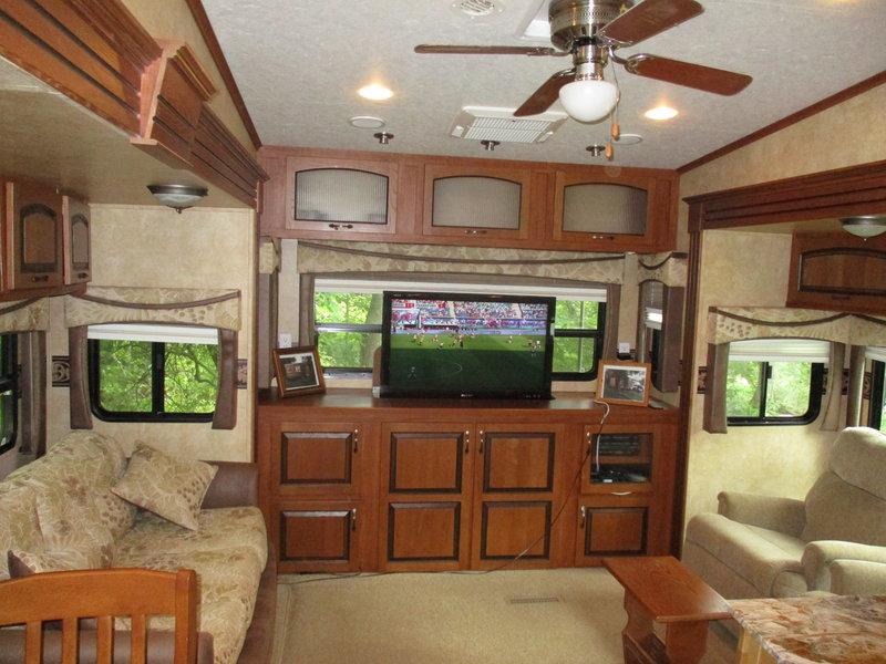 2011 Jayco Eagle 321RLTS