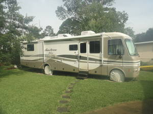 2000 Fleetwood Pace Arrow Vision 36B