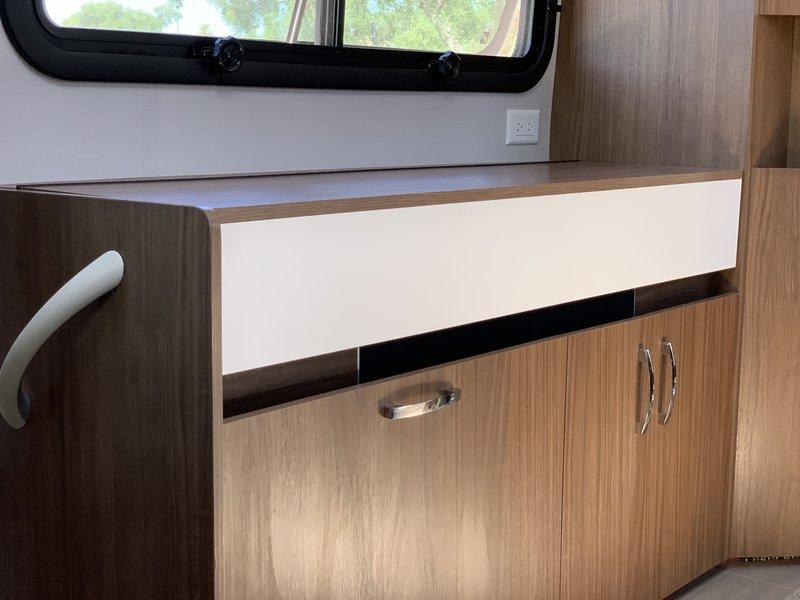2018 Leisure Travel Vans Wonder W24MB