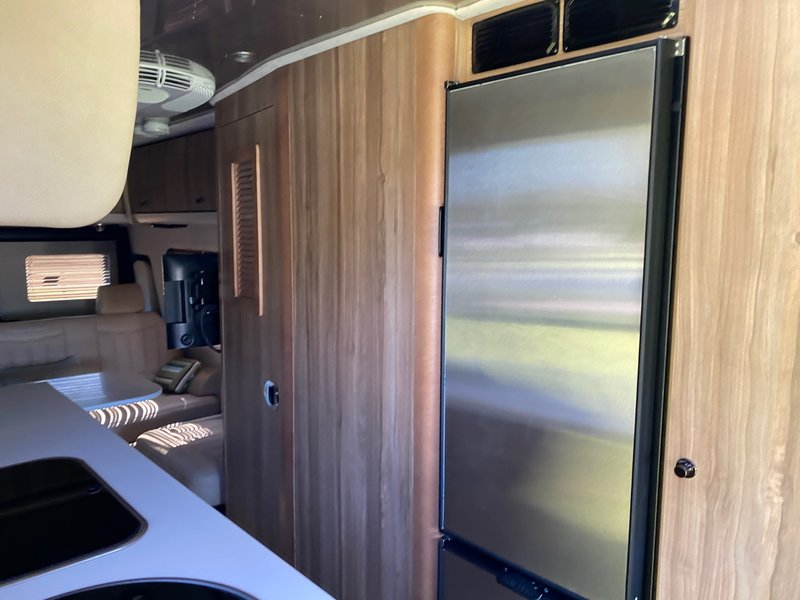 2018 Airstream  GRAND TOUR EXT TOMMY BAHAMA