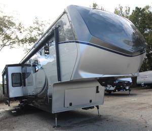 2015 Augusta RV Luxe 39FB