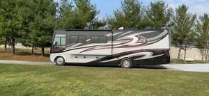2013 Holiday Rambler Vacationer 34SBD