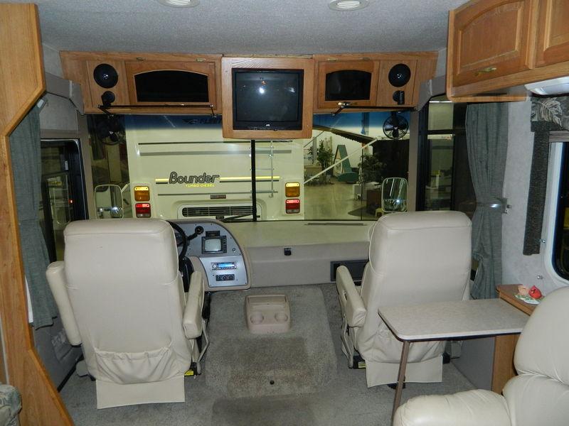 2003 Georgie Boy Landau 3502DS