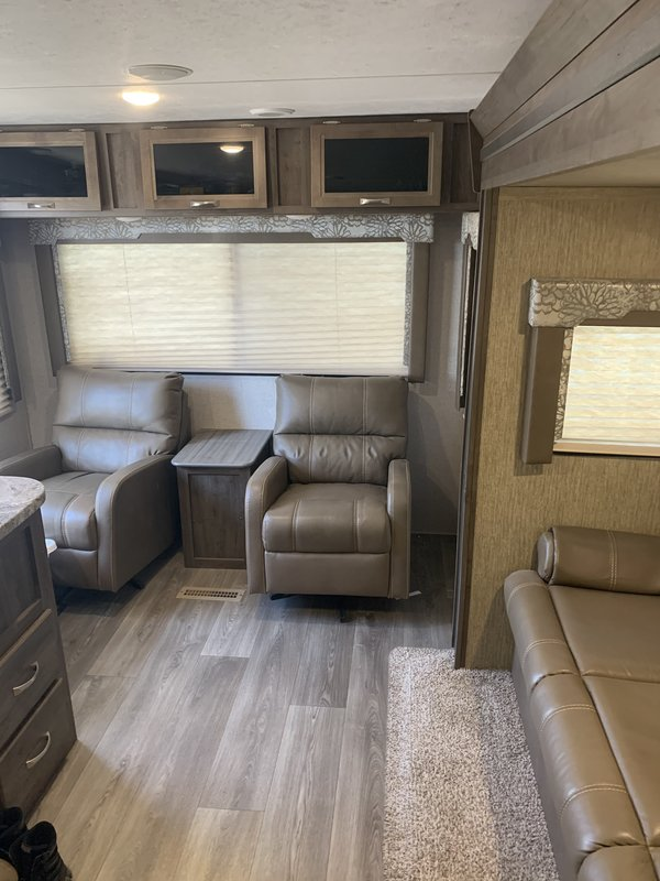 2018 Dutchmen Coleman Light 2605 RL