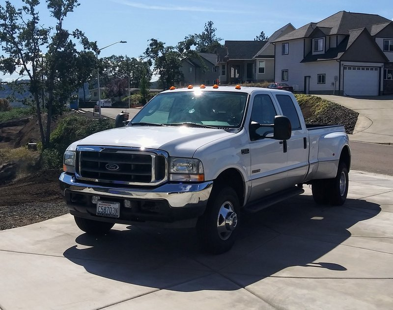 2004 Ford F-350 Super Duty Lariat 4x4 Dual