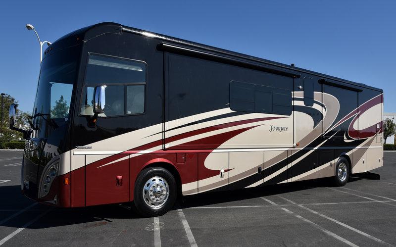 2017 Winnebago Journey 40R for sale - Anaheim, CA