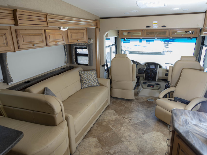 2016 Thor Motor Coach Outlaw 37LS