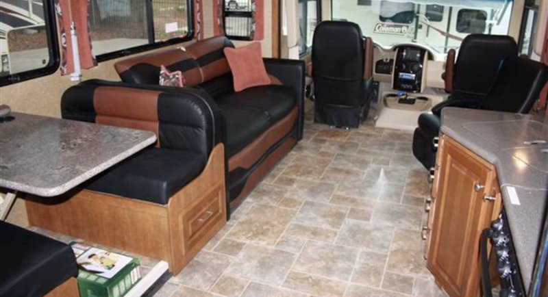 2015 Thor Motor Coach Outlaw 37LS