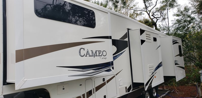 2012 Carriage Cameo 37RSQ