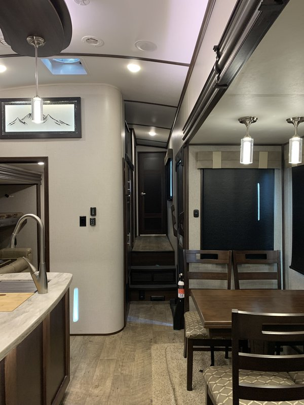 2019 Jayco North Point Northpoint 377RLBH