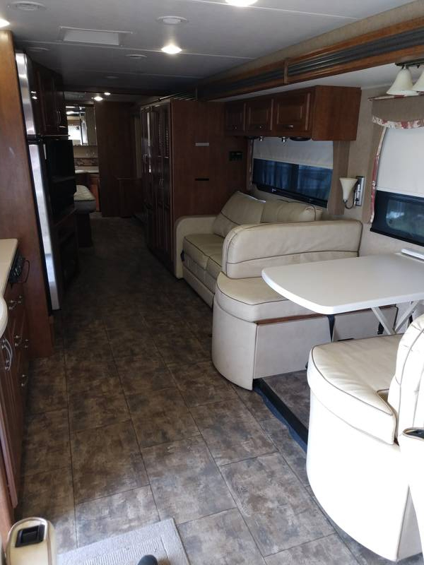 2015 Thor Motor Coach Challenger 37LX