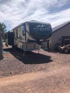 2017 Keystone Montana HM353RL