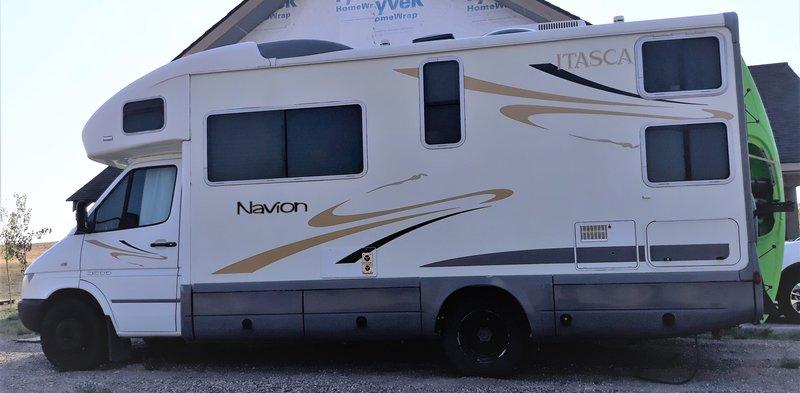 2007 Itasca Navion 23B