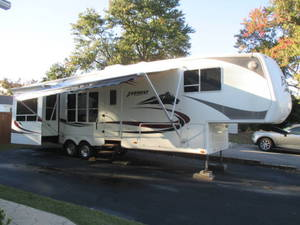 2006 Keystone Everest 366I