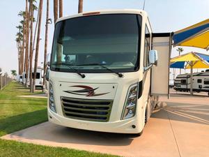 2021 Thor Motor Coach Hurricane 33X