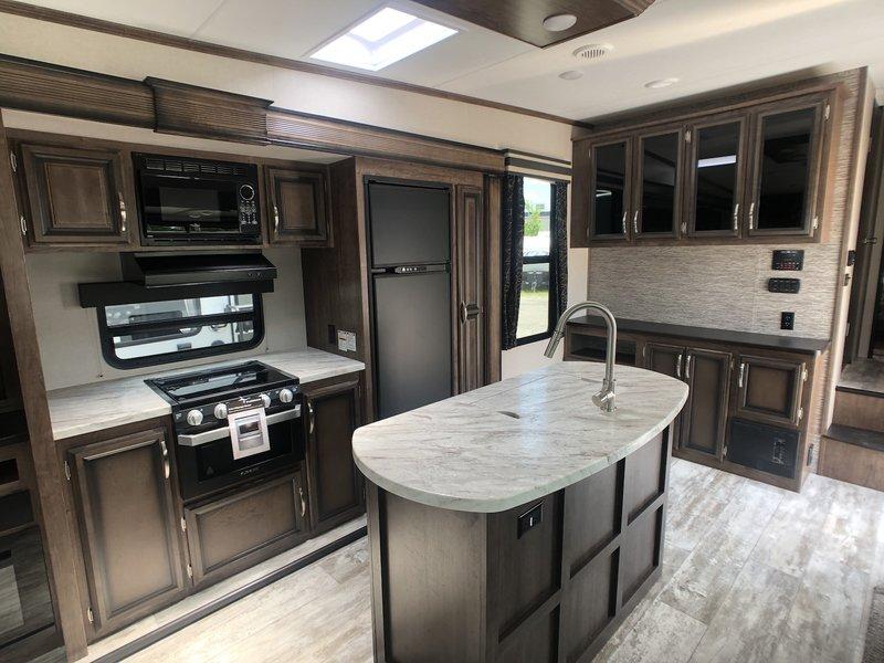 2019 KZ Durango 283RLT
