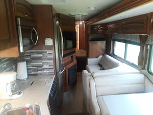 2018 Holiday Rambler Vacationer 35K