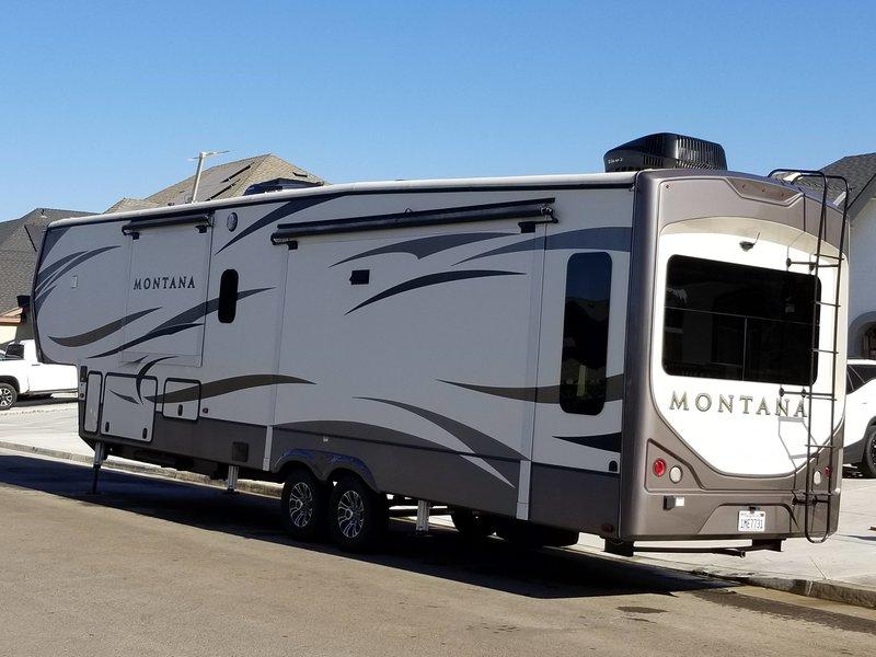 2017 Keystone Montana 3911FB