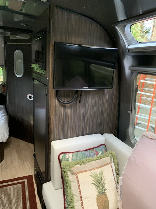 2016 Airstream International Serenity 23D
